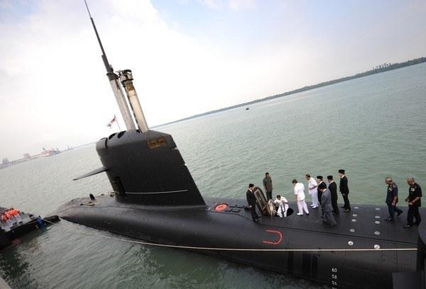 Okręt typu Scorpene, który produkuje francuska firma /SAEED KHAN /AFP
