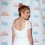 Okropna suknia Tori Spelling! Jak można coś takiego założyć?