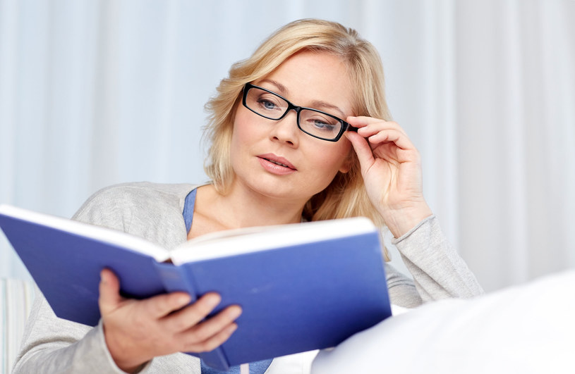 """Okulary """"plusy"""" to zwykle pierwszy wybór przy kłopotach z wyraźnym widzeniem z bliska /123RF/PICSEL"""