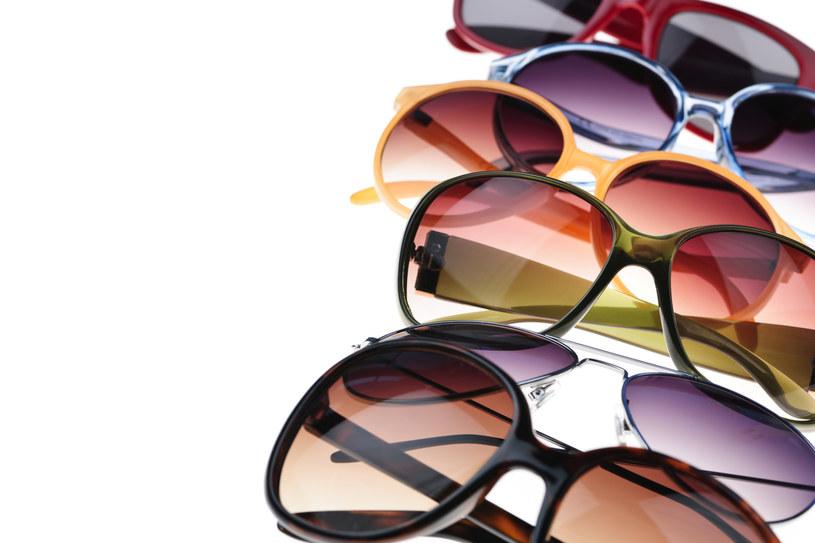 okulary przeciwsłoneczne /© Photogenica