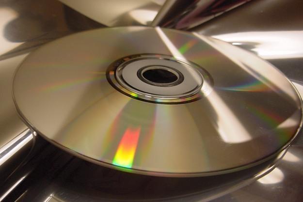 Okzauje się, że istnieją różne sposoby na usunięcie danych z płyt CD...