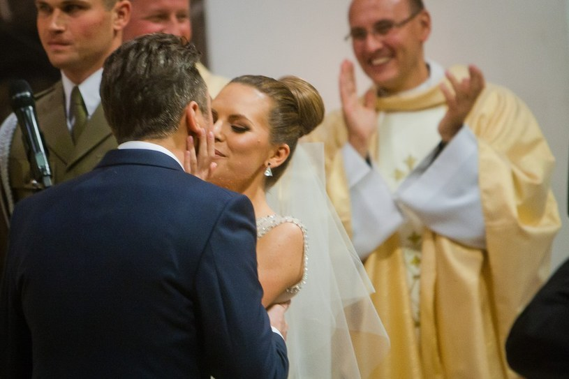 Ola i Kuba w trakcie ślubu /- /East News