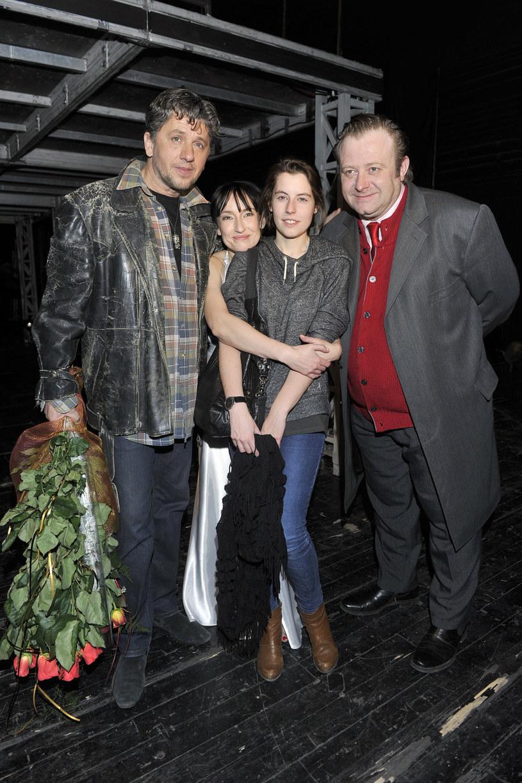 Olaf Lubaszenko z córką i byłą żoną, Katarzyną Groniec, na zdj. również Janusz Józefowicz /Kurnikowski /AKPA
