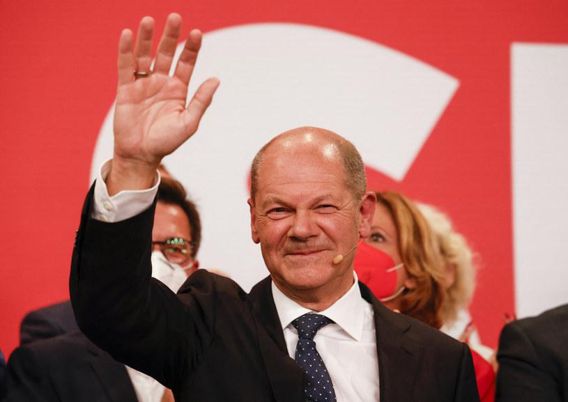Olaf Scholz podczas wieczoru wyborczego /AFP
