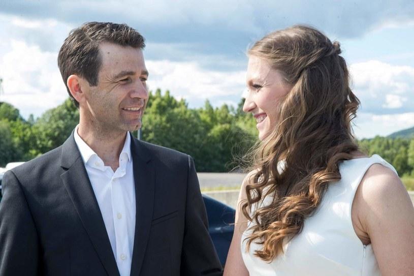 Ole Einar Bjoerndalen i jego żona Daria Domraczewa /AFP