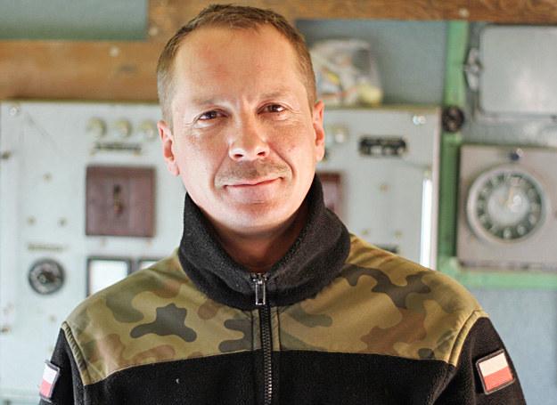Oleg Mikulski stara się o uznanie stopnia oficerskiego. Zdjęcie wykonano aparatem Canon EOS 7D /Marcin Wójcik