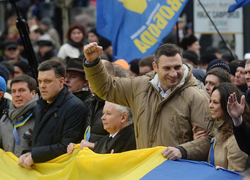 Ołeh Tiahnybok, Jarosław Kaczyński i Witalij Kłyczko /AFP