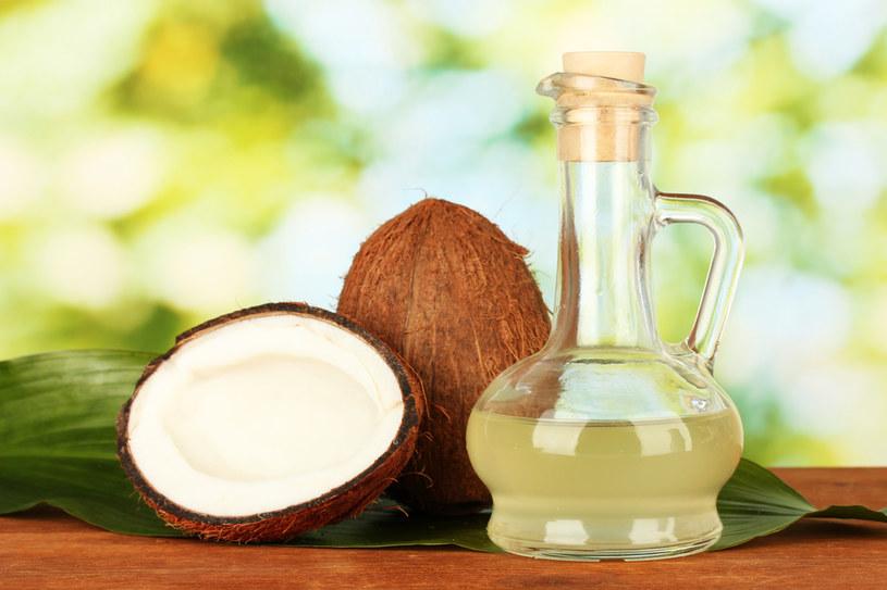 olej kokosowy na egzemę /© Photogenica