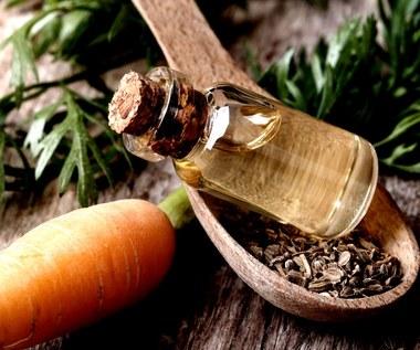 Olej marchewkowy – sposób na piękną skórę i włosy