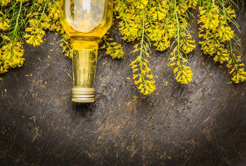 Olej rzepakowy jest najlepszym wyborem w codziennej diecie /123RF/PICSEL