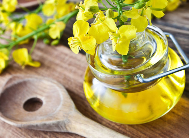 Olej rzepakowy uchroni cię przed schorzeniami układu krążenia i zadba o twoje serce /123RF/PICSEL