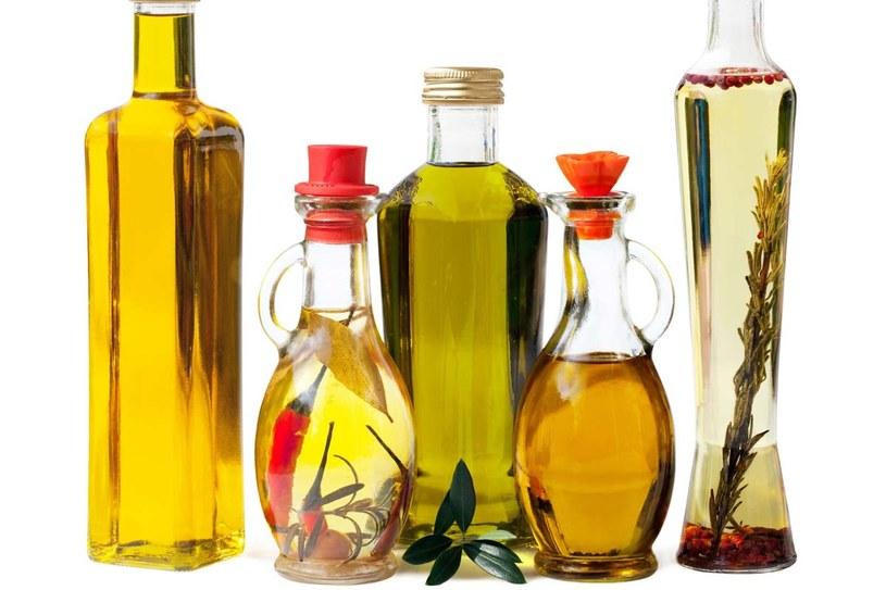 Olej rzepakowy, zwany także oliwką północy, ma najbardziej korzystny dla zdrowia stosunek kwasów omega-6 do omega-3 (2:1), oraz zawartość kwasu omega- 9 zbliżoną do oliwy. /123RF/PICSEL