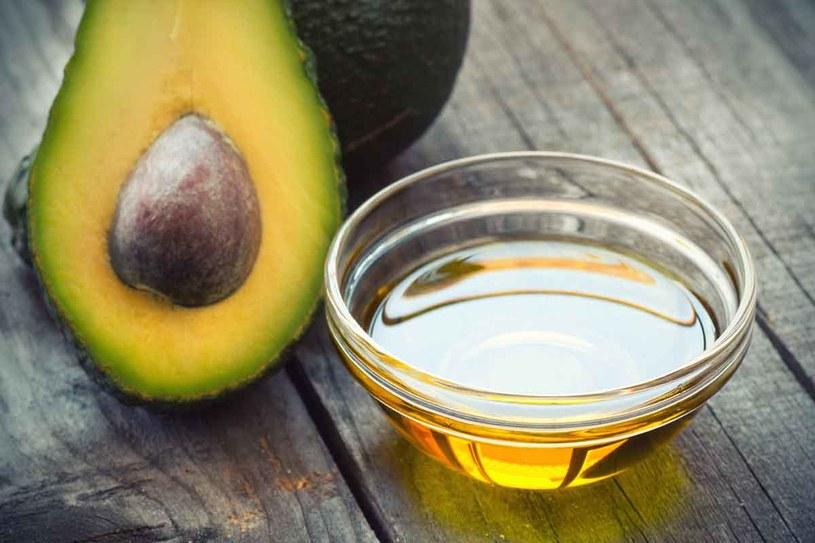 Olej z awokado ma wiele zastosowań w kosmetyce /123RF/PICSEL