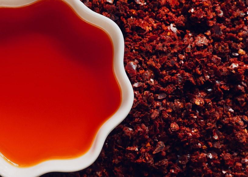 Olej z chilli wspiera układ krwionośny /123RF/PICSEL
