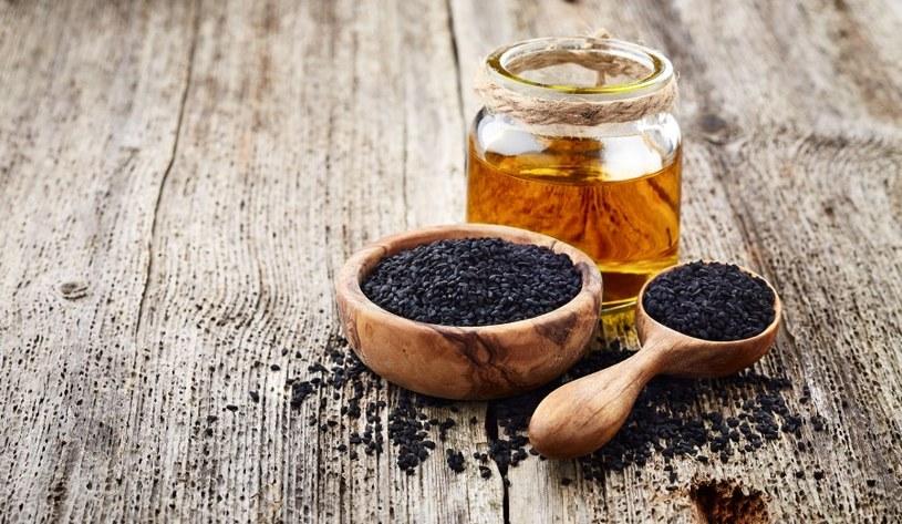 Olej z czarnuszki - dobry kosmetyk /©123RF/PICSEL
