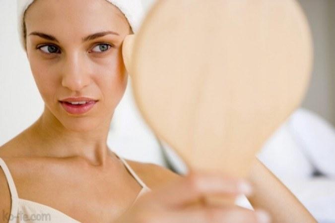 Olej z migdałów poprawia koloryt skóry /© Photogenica
