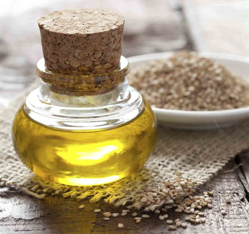 olej z nasion sezamu /© Photogenica