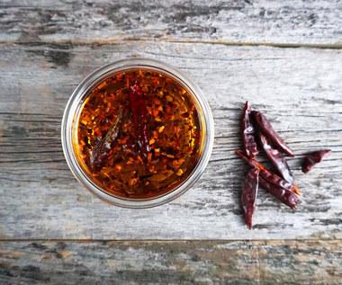 Olej z papryczek chili na bóle stawów