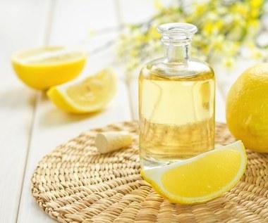 Olejek cytrynowy pomaga odtruwać organizm