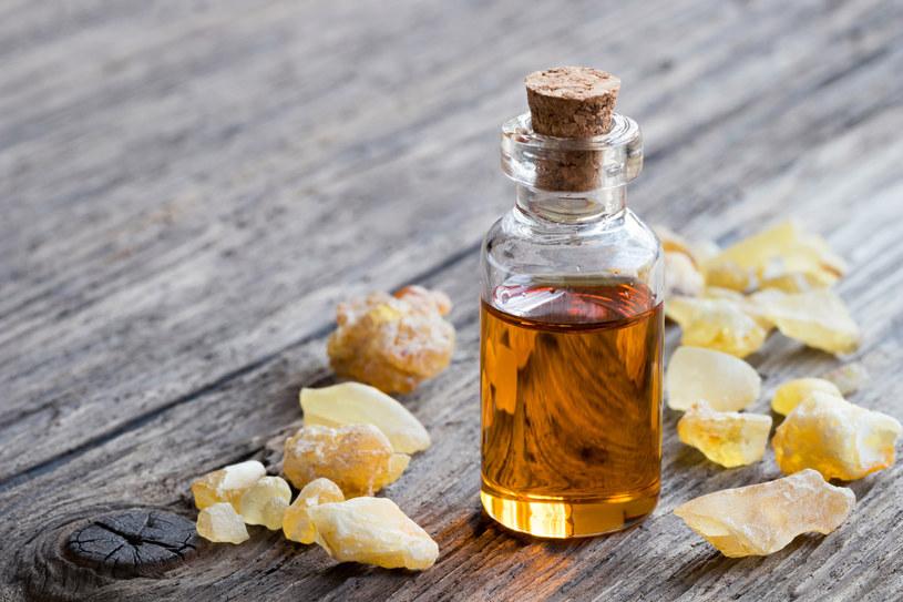 Olejek kadzidłowy pomaga na skołatane nerwy, przeciwdziała depresji /123RF/PICSEL