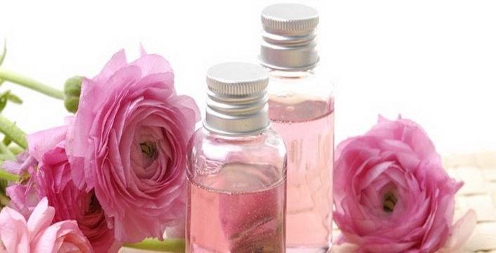 Olejek różany na przebarwienia /© Photogenica