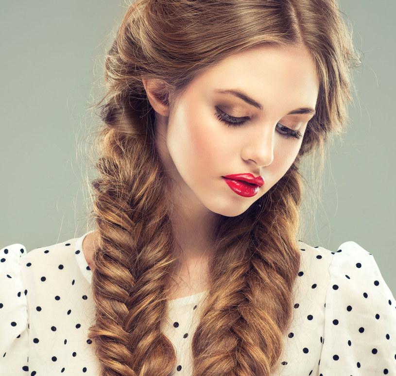Olejkami eterycznymi możesz wzmocnić włosy /123RF/PICSEL