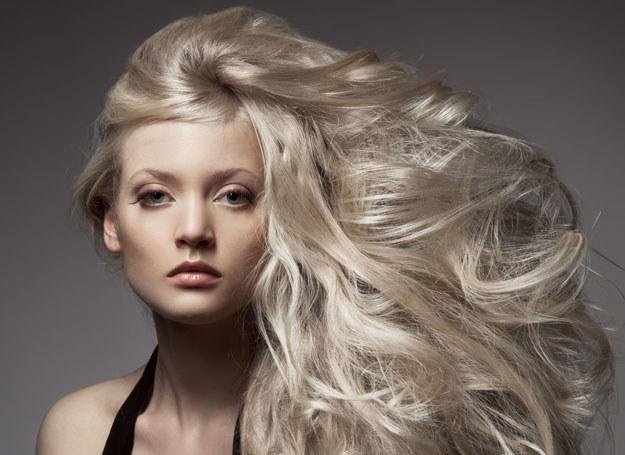 Olejki do włosów to prawdziwy hit! /123RF/PICSEL