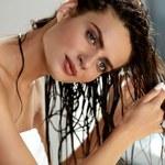 Olejowanie włosów: Jakich olejków używać?