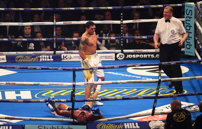 Ołeksandr Usyk and Tony Bellew / Nathan Stirk / Getty Images
