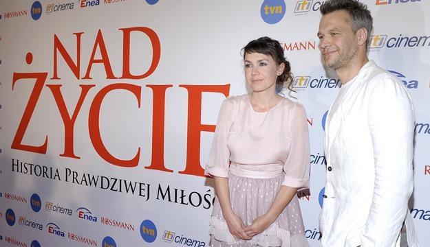 """Olga Bołądź i Michał Żebrowski na premierze filmu """"Nad życie"""" /AKPA"""