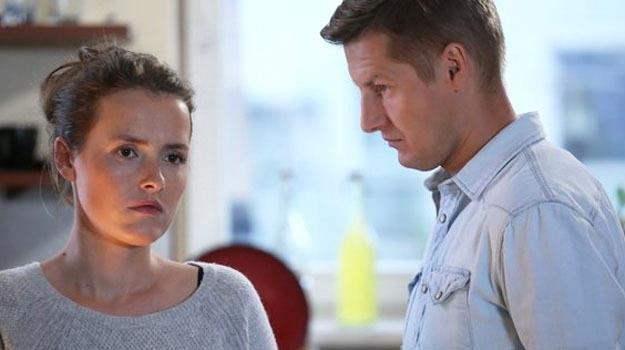 """Olga Frycz i Rafał Mroczek na planie serialu """"M jak miłość"""", fot. www.mjakmilosc.tvp.pl /materiały prasowe"""