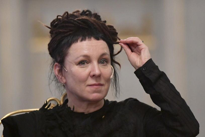 Olga Tokarczuk w trakcie konferencji prasowej w Akademii Szwedzkiej. /ANDERS WIKLUND /PAP/EPA