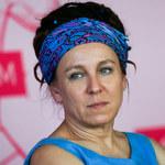 Olga Tokarczuk zada szyku na wręczeniu Nobla w sukni Baczyńskiej. Wiemy, kto zaprojektował jej drugą kreację!