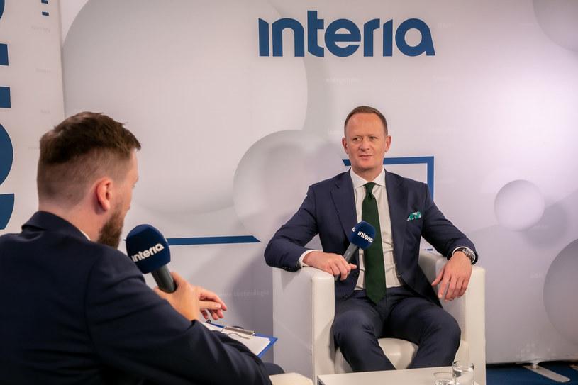 Olgierd Cieślik, prezes Totalizatora Sportowego  w studiu Interii podczas XXX Forum Ekonomicznego w Karpaczu. /Ireneusz Rek