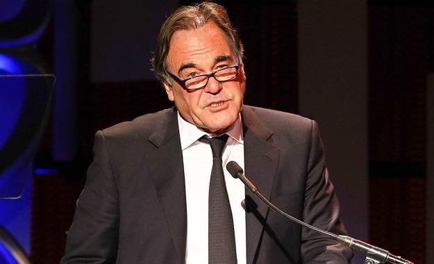Oliver Stone w swoich filmach lubi poruszać tematy polityczne /AFP