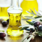 Oliwa z oliwek obniża ciśnienie, wzmacnia skórę i paznokcie