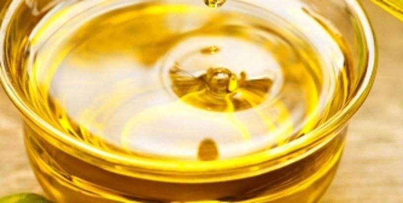 Oliwa z oliwek to źródło cennych kwasów omega! /123RF/PICSEL