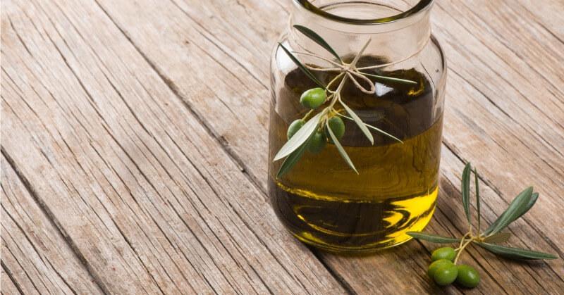 oliwa z oliwek zaparcia /© Photogenica