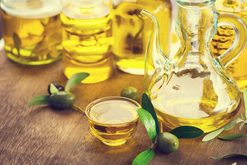 Oliwa zmniejsza suchość skóry, ułatwia usuniecie martwych komórek, uśmierza świąd /123RF/PICSEL