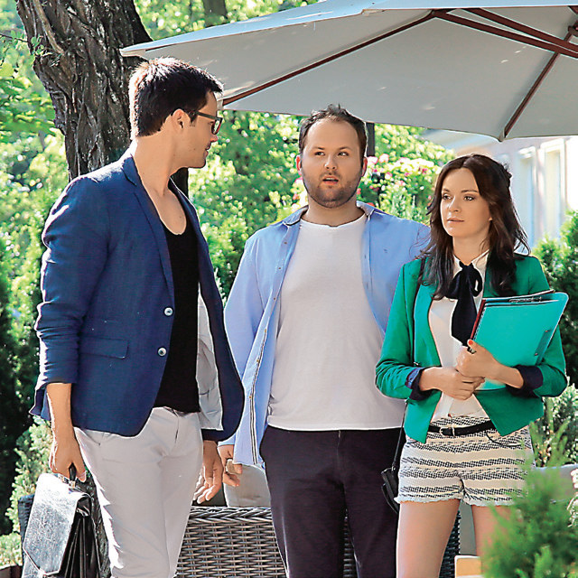 Oliwier za wszelką cenę będzie chciał dołączyć do spółki Natalii i Klemensa. /Świat Seriali