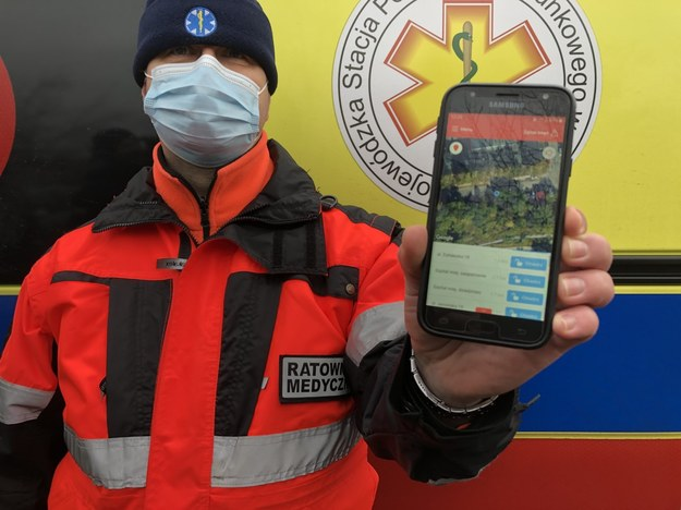Olsztyńscy ratownicy medyczni mogą już korzystać z nowej aplikacji /Piotr Bułakowski /RMF FM