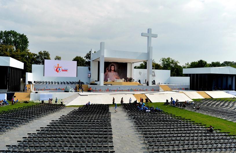 Ołtarz na krakowskich Błoniach /Darek Delmanowicz /PAP