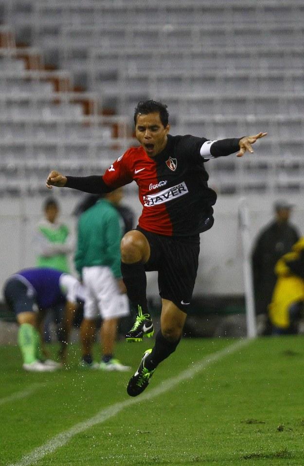 Omar Bravo, piłkarz Atlasu Guadalajara /AFP