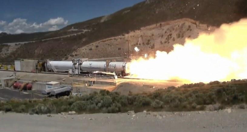 oment rozerwania dyszy silnika pierwszego stopnia rakiety OmegA / Fot:  Northrop Grumman /Kosmonauta