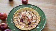 Omlet jaglany z jabłkiem