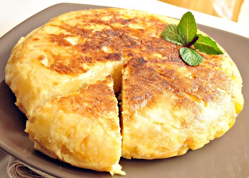 Omlet jest doskonałym pomysłem na śniadanie /123RF/PICSEL
