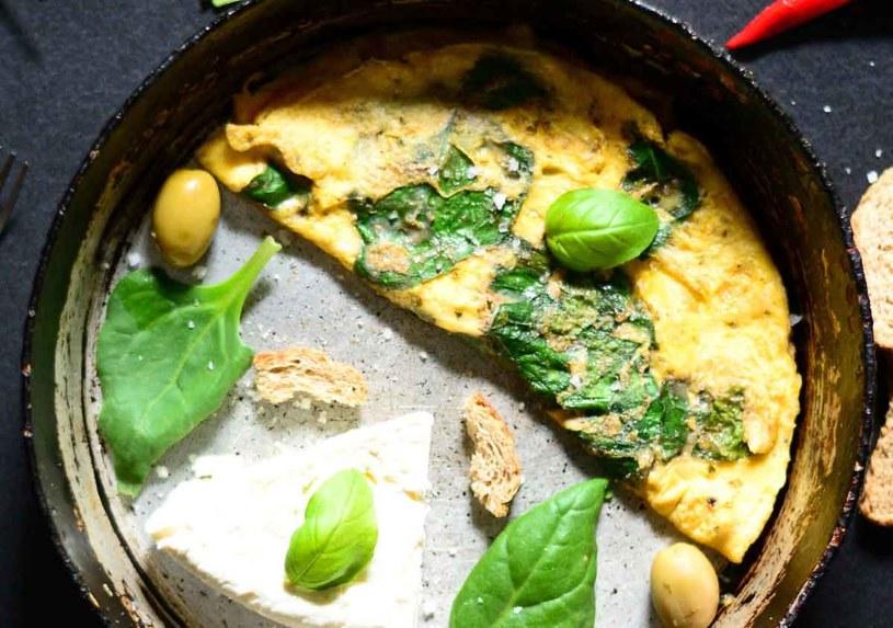 Omlet z bazylią /123RF/PICSEL
