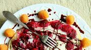 Omlet z białek z malinami i czekoladą