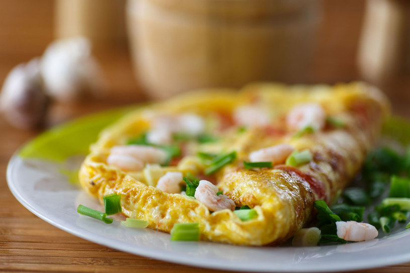Omlet z krewetkami /123RF/PICSEL