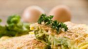 Omlet z natką pietruszki i łososiem